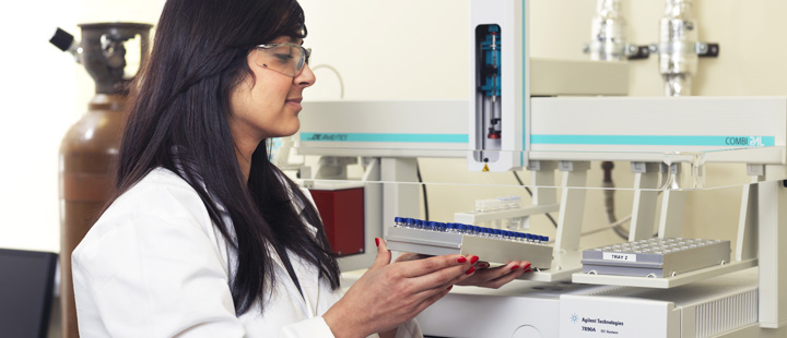bradford analysis The bradford assay can be used to calculate the protein concentration of a solution used in any protein-specific experiment.