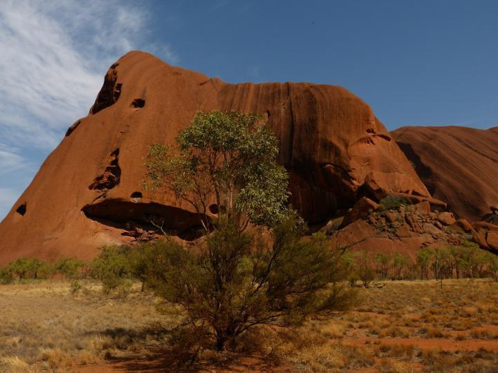 image of ayers rock in Australia